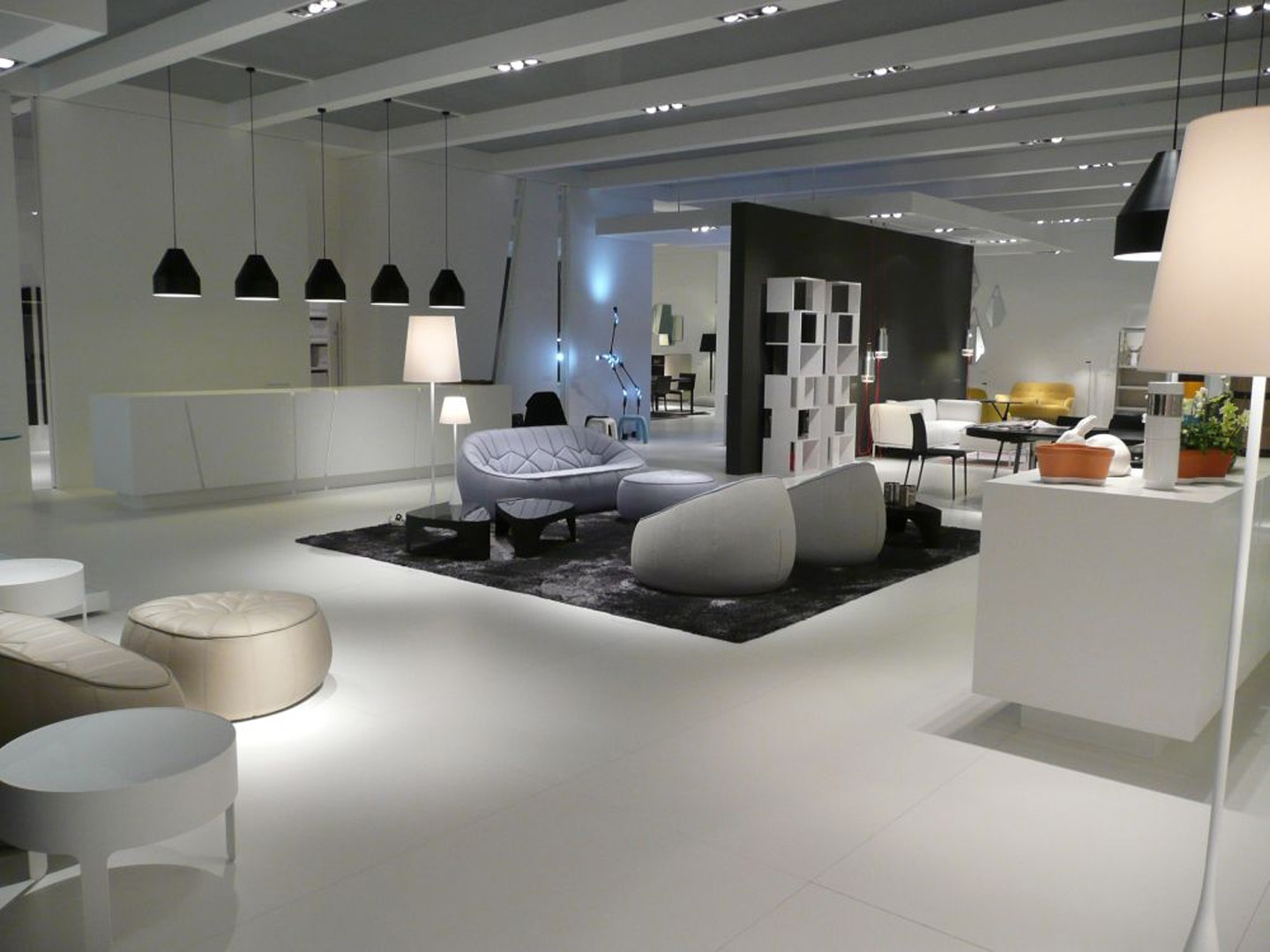 ligne roset viva messe und ausstellungsbau gmbh. Black Bedroom Furniture Sets. Home Design Ideas